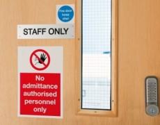 Cassazione: è omessa denuncia se il medico non comunica il reato