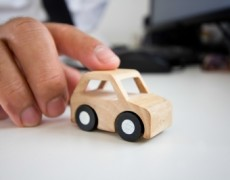 L'assicurazione del veicolo investitore potrebbe dover risarcire anche i danni lamentati dal datore di lavoro della vittima del sinistro