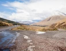 Con fondo stradale ghiacciato il gestore autostradale è tenuto a risarcire i danni subiti dai veicoli qualora non riesca a provare il caso fortuito